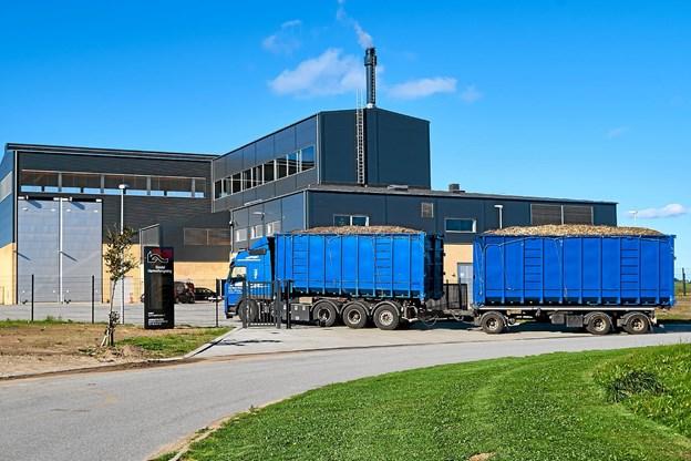 Det nye kraftvarmeanlæg på Gutenbergvej i Sindal får flis fra Tolne Skov leveret af HedeDanmark. Foto: Niels Helver