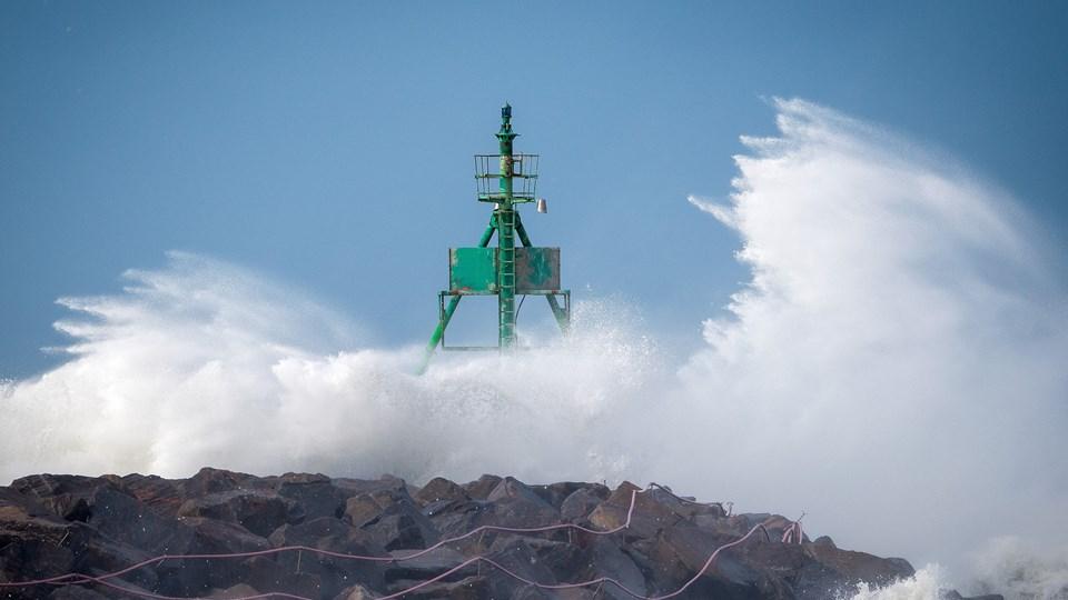 Her sender blæsten skumsprøjt op i Hirtshals. Foto: Henrik Bo