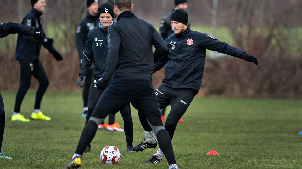 AaB-anfører Rasmus Würtz føler sig bedre end i efteråret og er klar til at tage kampen op med Magnus Christensen og Oliver Abildgaard. Foto: Hans Ravn