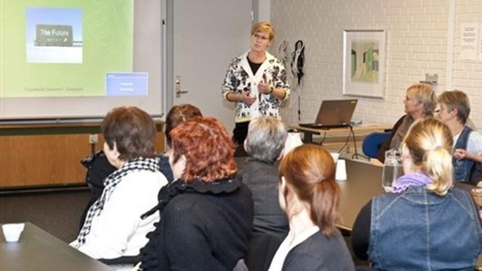 En snes sosu'ere i distrikt øst hørte om den nye model for hjemmepleje i Hjørring Kommune. Foto: Carl Th. Poulsen
