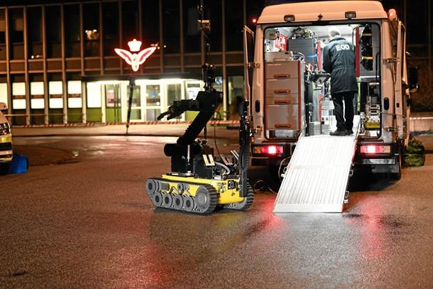 Bombefrygt: Banegårdspladsen i Brønderslev spærret af