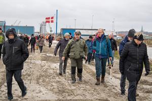 Lystfiskeres drøm gik i opfyldelse: Ny mole indviet i Frederikshavn - se hvem der var ude med snøren