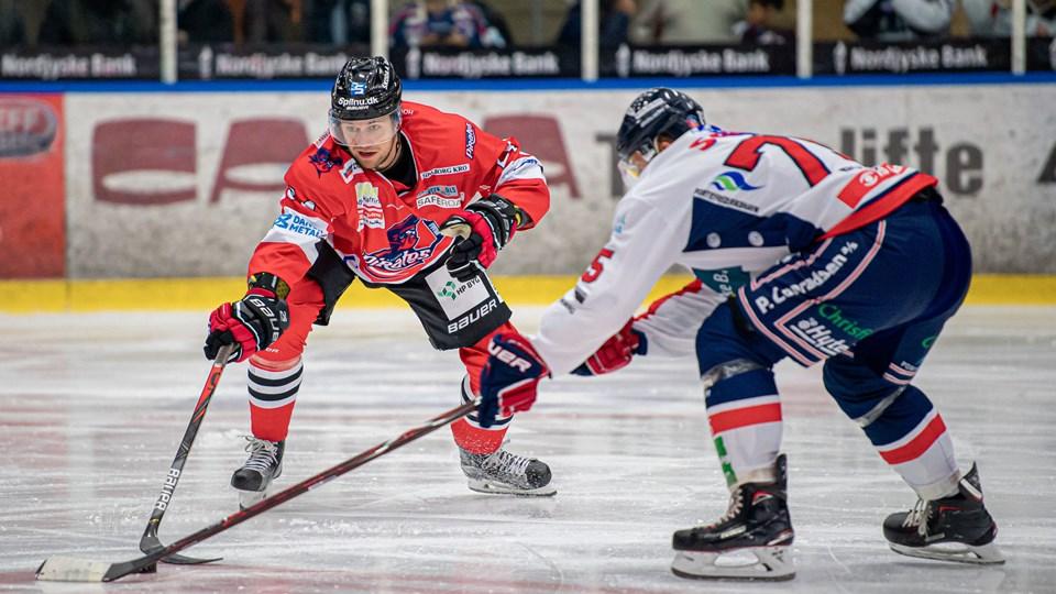 De nordjyske ishockeyrivaler gav hinanden en tæt dyst. Foto: Martin Damgård