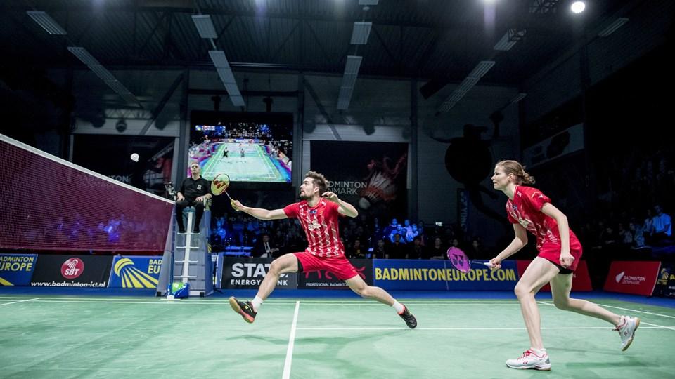 Mathias Christiansen og Christinna Pedersen ses her i aktion under EM for blandede hold. I denne uge spiller de deres sidste internationale turnering sammen.