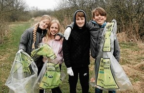 De samler affald i Ålbæk