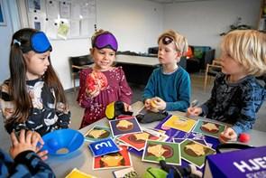 Børnehavebørn på hjerneekspedition