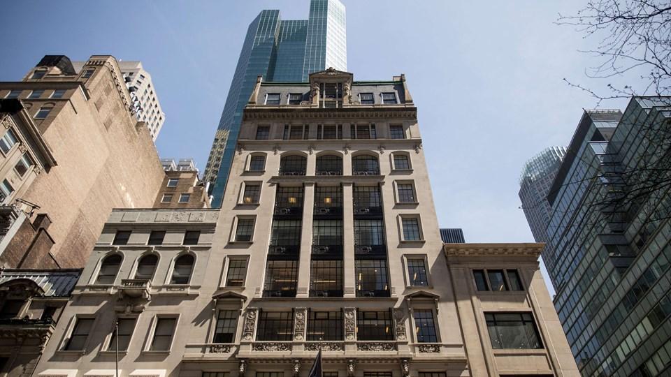 New York- kontoret hos Cambridge Analytica befinder sig på sjette etage i denne bygning. Onsdag meddelte firmaet, at det lukker efter sagen om brug af data fra millioner af intetanende Facebook-brugere. Foto: Scanpix/Drew Angerer