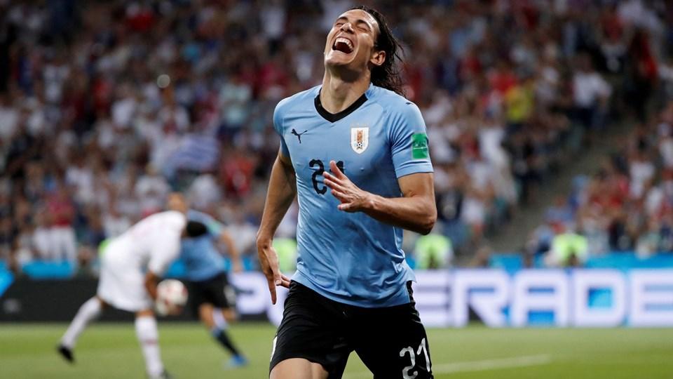 Edinson Cavani scorede to gange mod Portugal, men udgik siden med en skade, der kan holde ham ude mod Frankrig. Foto: Jorge Silva/Reuters/Ritzau Scanpix