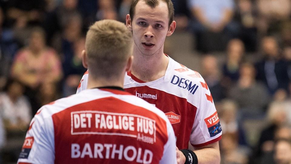 Aalborg Håndbold har to runder til at indhente TTH Holstebro. Foto: Andreas Falck
