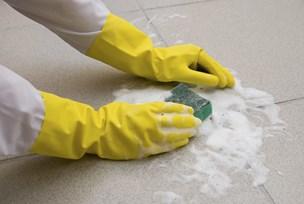 Omdiskuteret rengøringsfirma fortsætter i Rebild