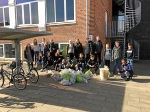Elever samlede affald