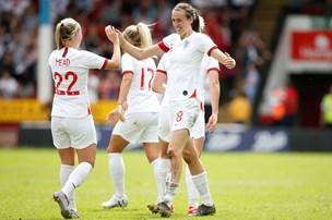 Danske fodboldkvinder tabte testkamp til England