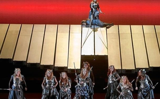 Opera i BAS