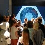Kunstner underviste 4. klasser på kunstmuseet