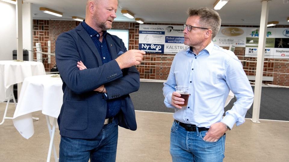 Kim Aarestrup (til venstre) sammen med den tidligere topbokser og nuværende formand i AK Jyden, Michael Rask. Foto: Henrik Louis