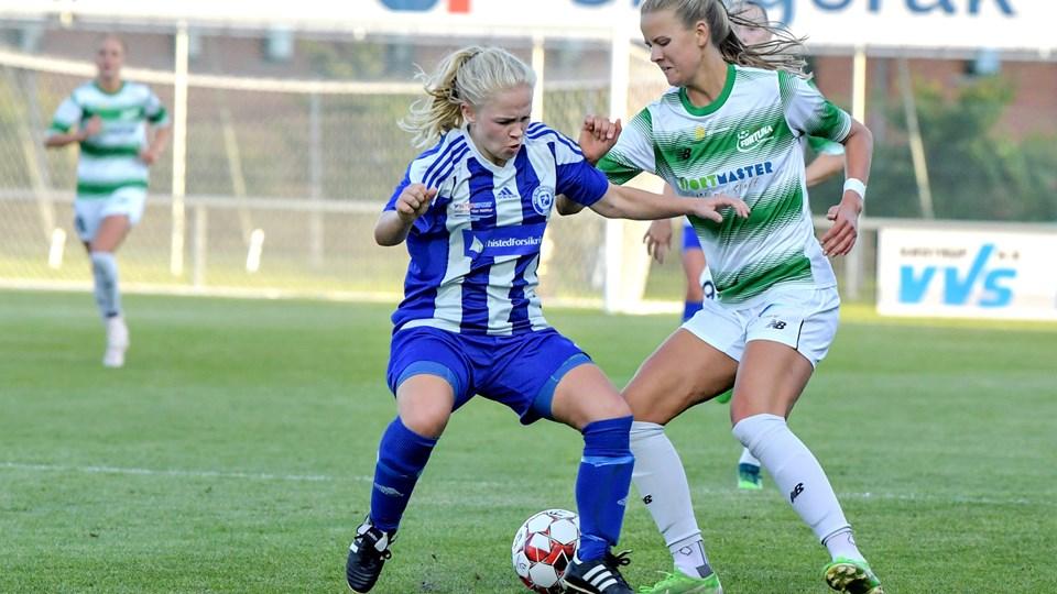 Caroline Møller Hansen (t.h.) blev matchvinder for Fortuna Hjørring. Arkivfoto: Henrik Louis