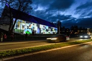 Aalborghus Slot beklædt med børnetegninger - se alle billederne