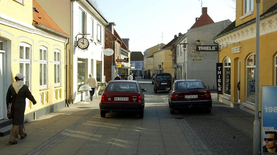 Grønnegade i Sæby - nu snart med nyt ansigt. ?Arkivfoto: Carl Th. Poulsen