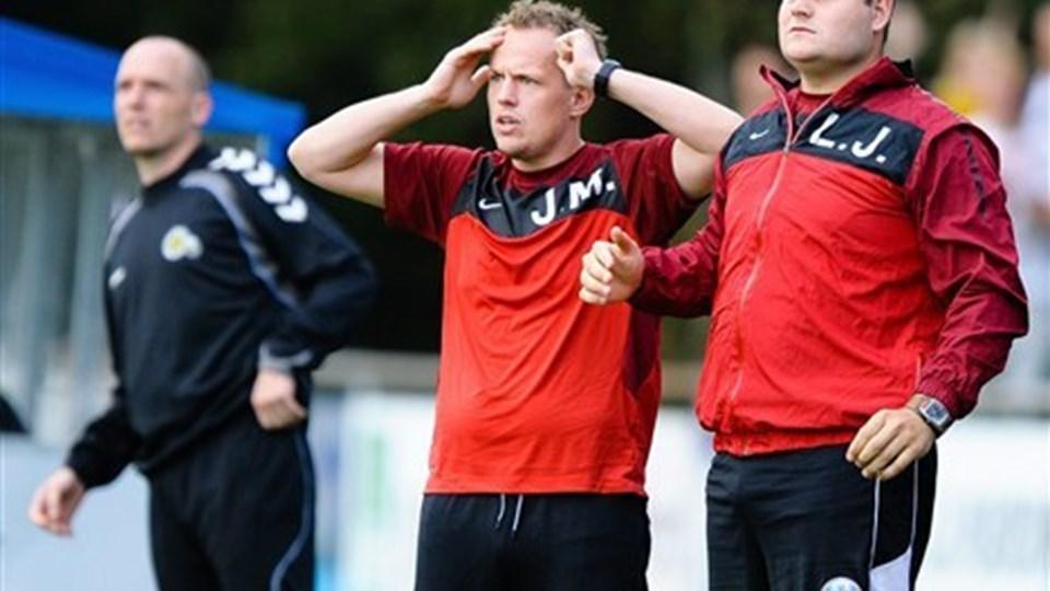 Hobro-cheftræner Jakob Michelsen måtte se sit hold tabte 0-4 i Vejle. Foto: Claus Søndberg
