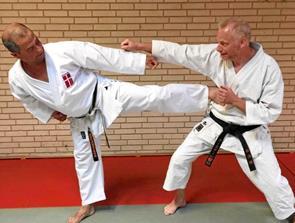 59-årig til verdens- mesterskabet i Karate