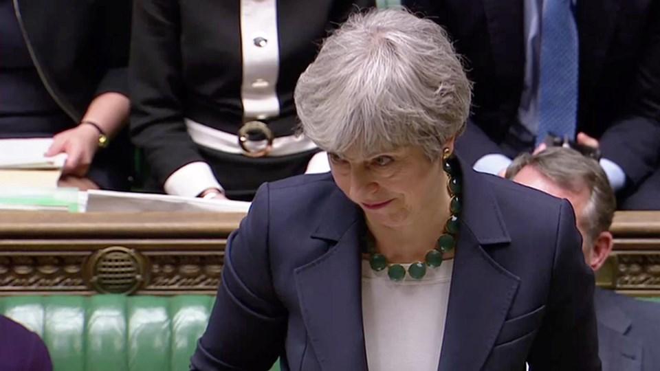 - Vi kunne forlade EU med den aftale, vi har forhandlet på baggrund af en ny folkeafstemning. Men det kan medføre, at der ikke kommer noget brexit overhovedet, siger premierminister Theresa May i Underhuset onsdag aften.