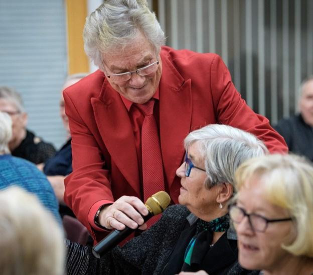 Richard Ragnvald er meget nærværende med publikum, og der er en samhørighed mellem dem og ham, sagde leder af Støberigården, Anna Poulsen om arrangementet.