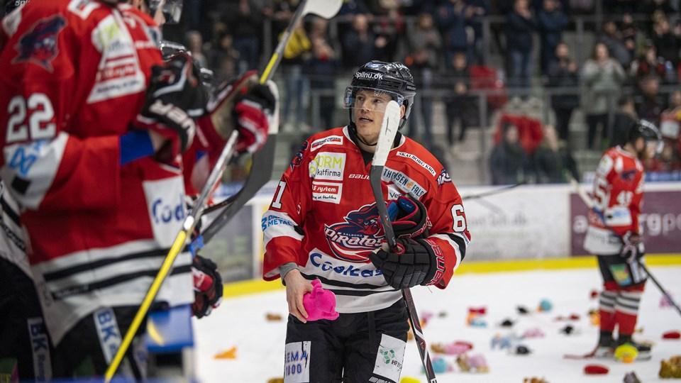Julian Jakobsens (billedet) scoring til 1-0 udløste bamsekastning. Foto: Kim Dahl Hansen