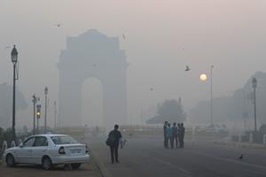 New Delhi indhyllet i giftig tåge trods fyrværkeriforbud