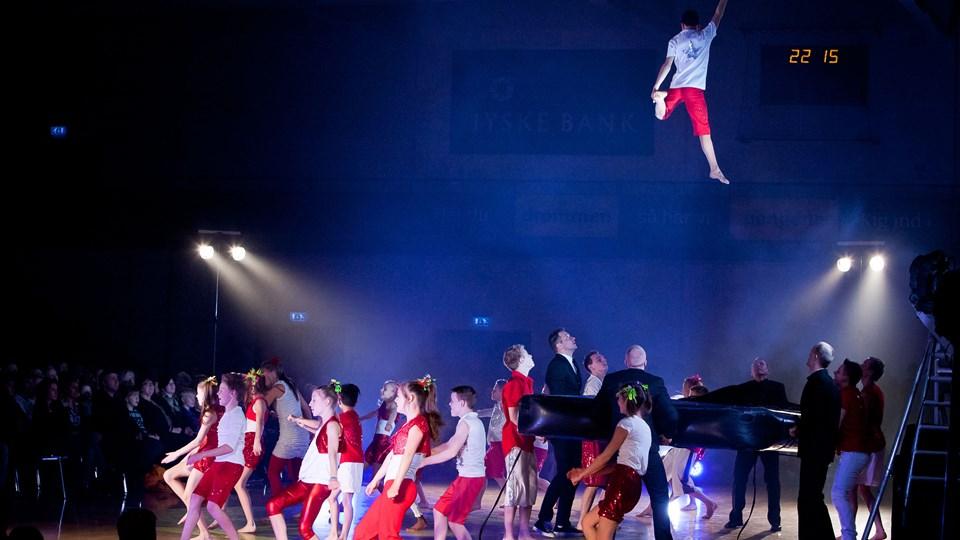 Flying Superkids optræder i Hobro. Arkivfoto