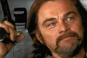 Meget Tarantino'sk. Meget voldeligt. Meget sjovt