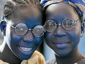 Lions  samler valgbriller ind til Afrika