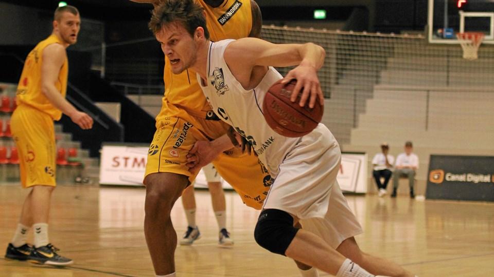 Mads Kofod Rasmussen spillede flot mod de danske mestre og scorede 20 point. Foto: Aalborg Vikings