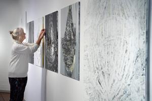 Kunst af 34 kvinder - uden blonder: - Det er ikke bare kvindeligt og feministisk