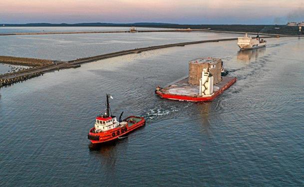Havnens molehoved er på vej