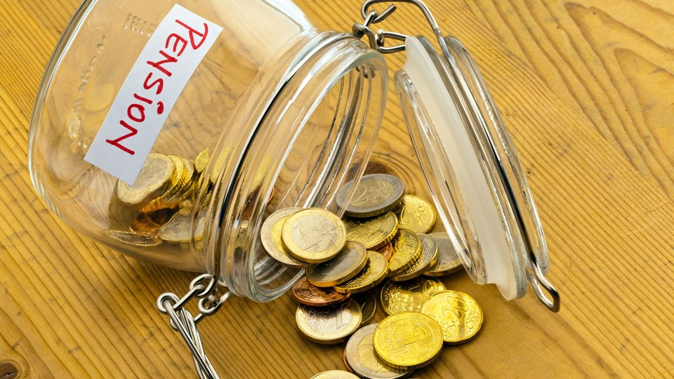 En Epinion-undersøgelse for SEB Pension viser, at knap halvdelen af danskerne ikke aner, hvor meget de får udbetalt i pension, mens 63 procent ikke har lagt en plan for udbetalingen. Foto: Free/Colourbox