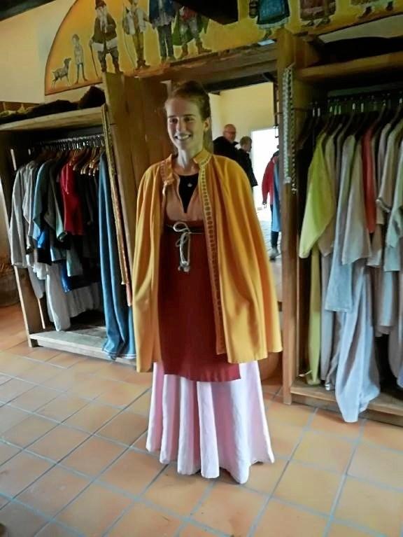 På Fyrkat var der mulighed for at gå på opdagelse i vikinge-garderoben. Privatfoto