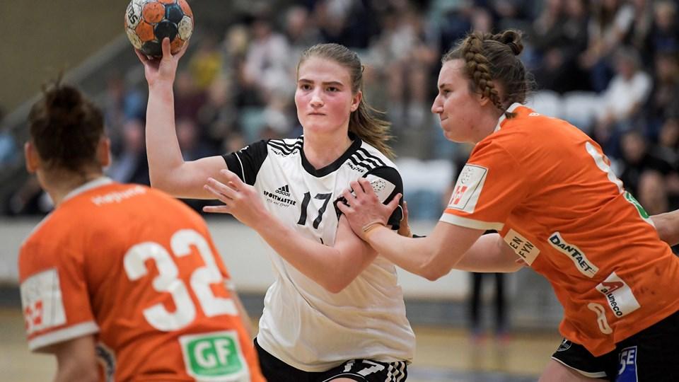 Line Berggreen Larsen og holdkammeraterne kunne ikke få det offensive spil til at fungere i Viborg. Arkivfoto: Lars Pauli