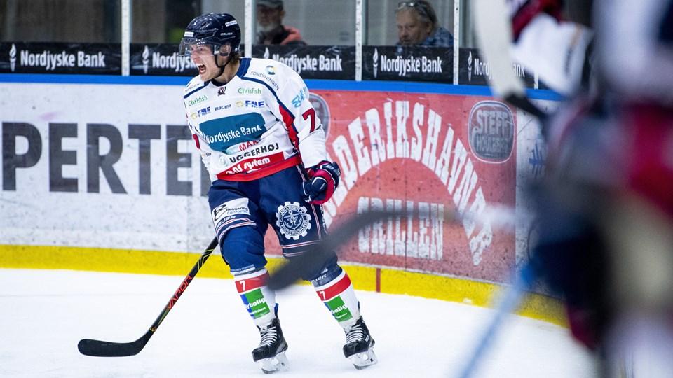 Thomas Søndergaard skriger jublen ud efter det, der skulle vise sig at blive sejrsmålet. Foto: Lars Pauli