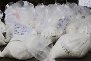 34-årig kvinde havde 15 kilo narko i kufferten