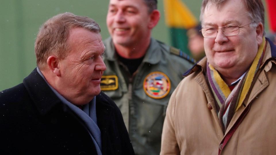Forsvarsminister Claus Hjort Frederiksen (V) er så tæt på at lande et forsvarsforlig, at der er indkaldt til afsluttende møde søndag. Foto: Reuters/Ints Kalnins/arkiv