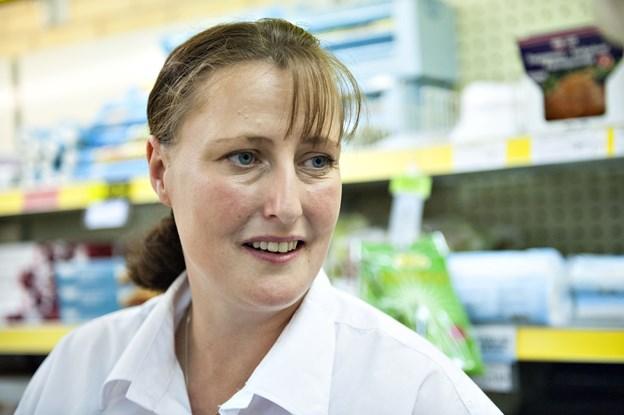 Butiksleder Jane Jørgensen får også besøg af skoleeleverne. Arkivfoto