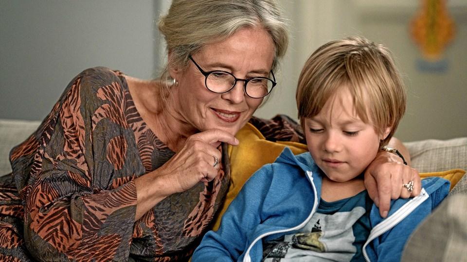 Mormor og Oscar - Marianne Høgsbro og Virgil Katring-Rasmussen.