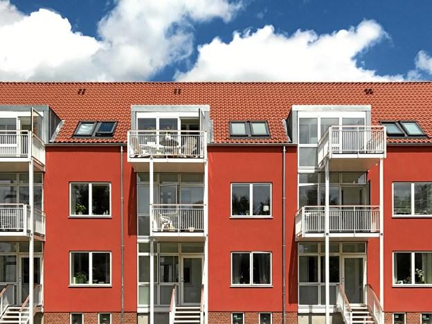 Boligbebyggelsen Toftebo er energirenoveret til passivhus-standard af BJERG Arkitektur og nomineret til 2 priser til Building Awards 2018. Foto: BJERG Arkitektur