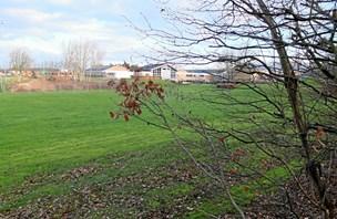 Her skal det nye Mors-stadion ligge: Placeringen er på plads, men pengene er ikke