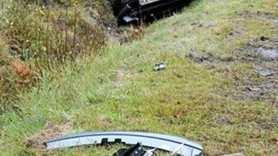 Kvindens bil endte i grøften. Foto: Flemming Dahl Jensen