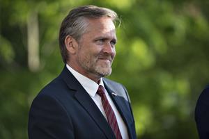Regeringen vil sætte fut i udvisninger med ny ambassadør