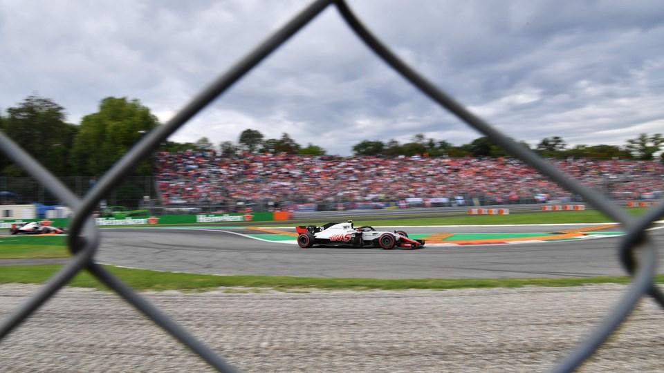 Kevin Magnussen starter som nummer 11, når det gør løs i søndagens Formel 1-grandprix i Italien. Foto: Andrej Isakovic/Ritzau Scanpix