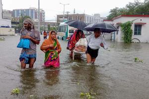 Over 120 mennesker omkommet under uvejr i Indien