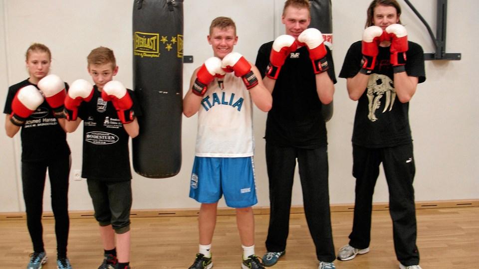 De fem boksere er klar til debut i ringen. Privatfoto