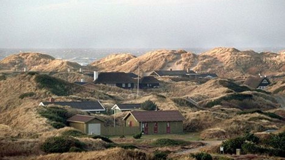 Lempeligere regler for byggeri i kystnære områder, mener Venstre-politikere. Galimatias, lyder det fra S og SF. Scanpix